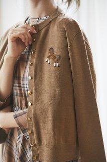 ワンポイント刺繍カーディガン(キャメル)