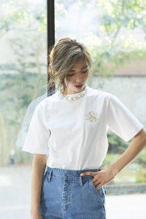 SVT刺繍Tシャツ(ホワイト×ベージュ)