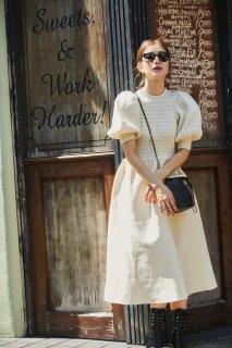 ボリュームスリーブニットドレス(オフホワイト)