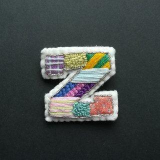 【限定】アルファベット刺繍ブローチ《Z》