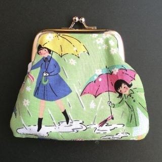 がま口《雨の中の少女》