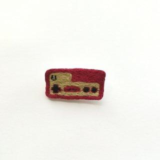 コントローラー(S)の刺繍ブローチ