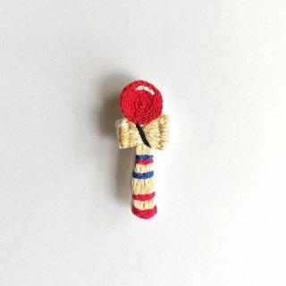 けん玉の刺繍ブローチ