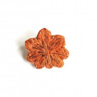 もみじ饅頭の刺繍ブローチ