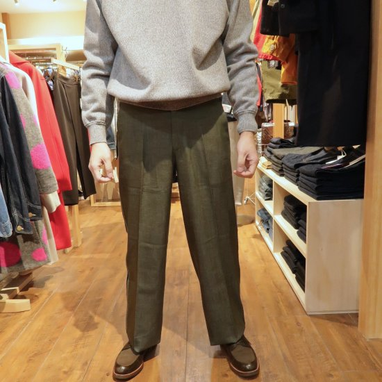<img class='new_mark_img1' src='https://img.shop-pro.jp/img/new/icons16.gif' style='border:none;display:inline;margin:0px;padding:0px;width:auto;' />20%OFF COOHEM KNIT SIDELINE PANTS