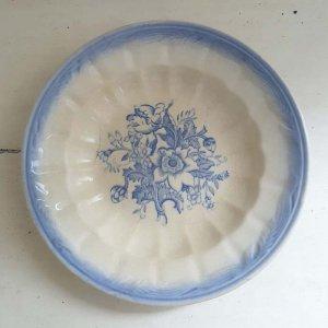 ポルトガル・蚤の市・ブロカント・陶器・絵皿・花柄皿