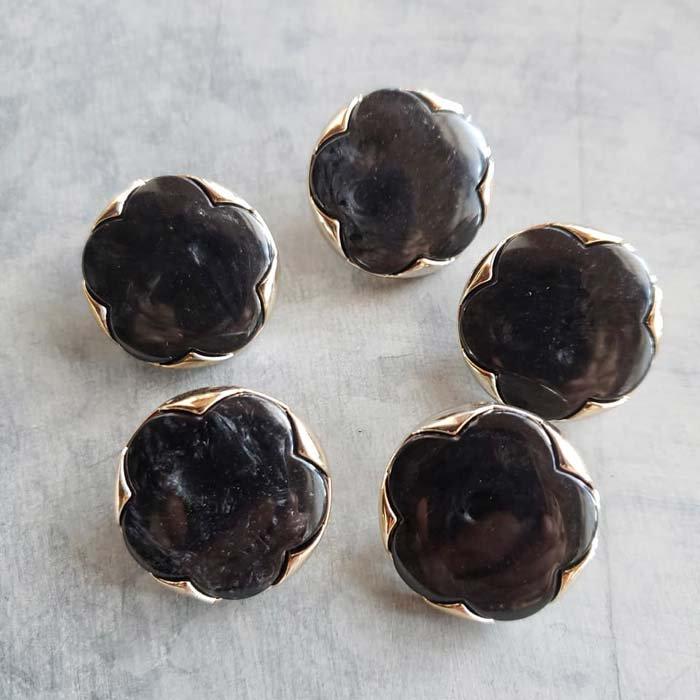 5個セット・同色ボタン・お買い得価格ボタン・大サイズ・ブラック花 メインイメージ