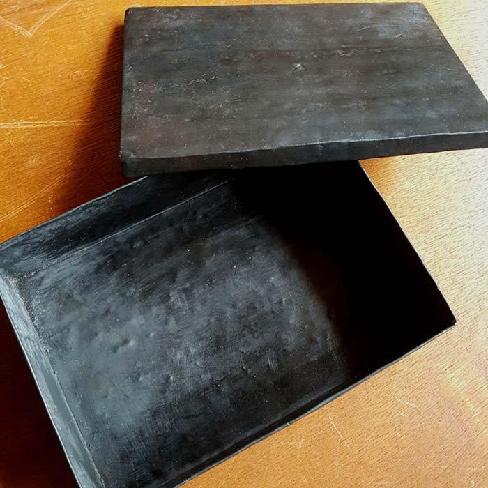 黒い鉄の箱 サブイメージ