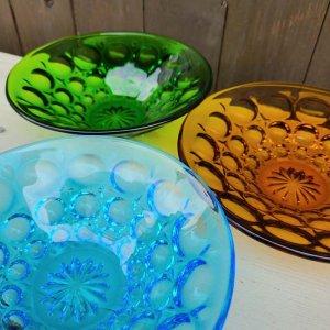ガラス3色・デザート器・レトロガラスデザイン・ガラスプレート