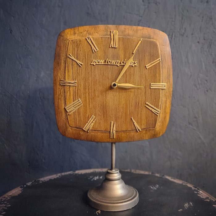 置時計・ウッドクロック・木製時計・スタンドクロック・レトロデザイン メインイメージ