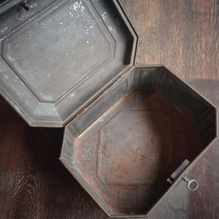 フランス・アンティーク・レトロ缶・ブリキ缶・1980年代・鍵付き サブイメージ