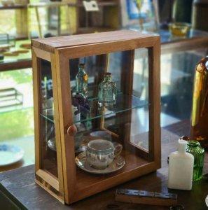ガラスショーケース・2段ショーケース・木製ケース・アンティーク調