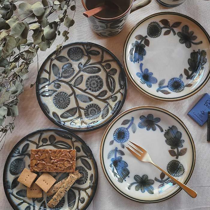 デザートプレート・ケーキプレート・パン皿・レトロ北欧柄・フラワー&オリーブ柄 メインイメージ