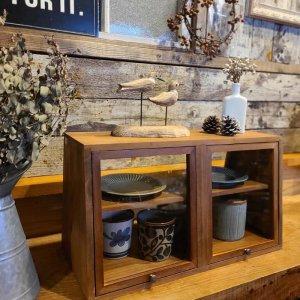 木製・ガラスショーケース・両面開き・キッチンラック・カフェ