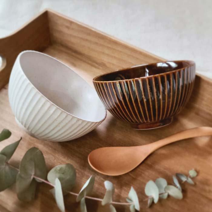 ご飯茶碗、菊型、ボウル、ホワイト、飴色ブラウン メインイメージ