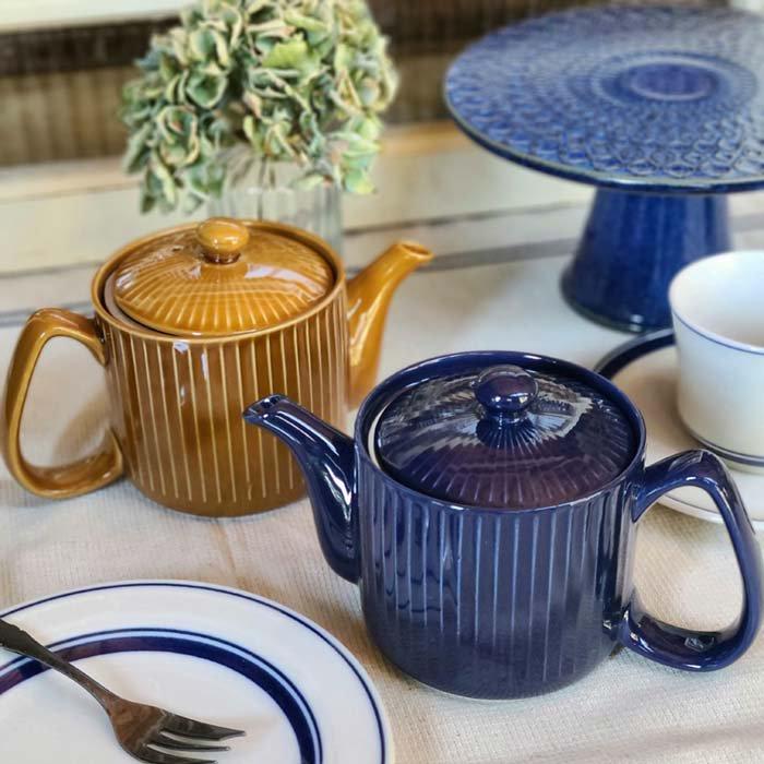 茶漉し付きティーポット・スタイリッシュポット・飴色キャメル・藍色ブルー メインイメージ