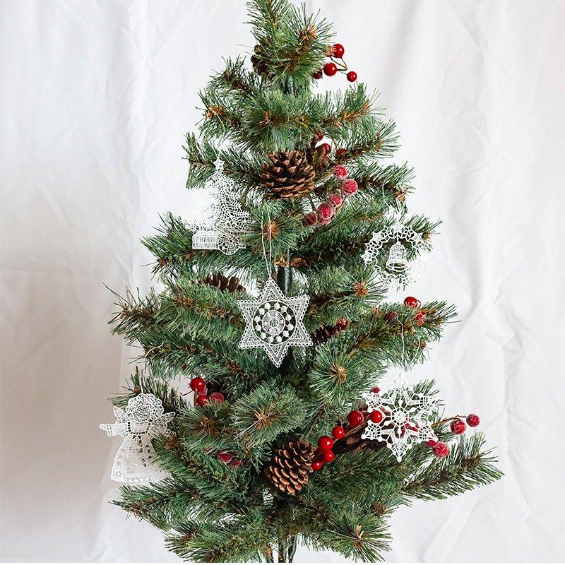 プラウエンレースのオーナメント クリスマスツリー