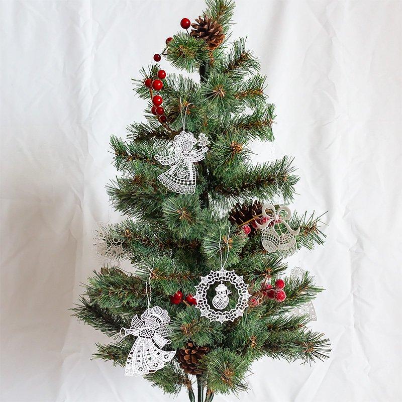 プラウエンレースのオーナメント 天使とモミの木