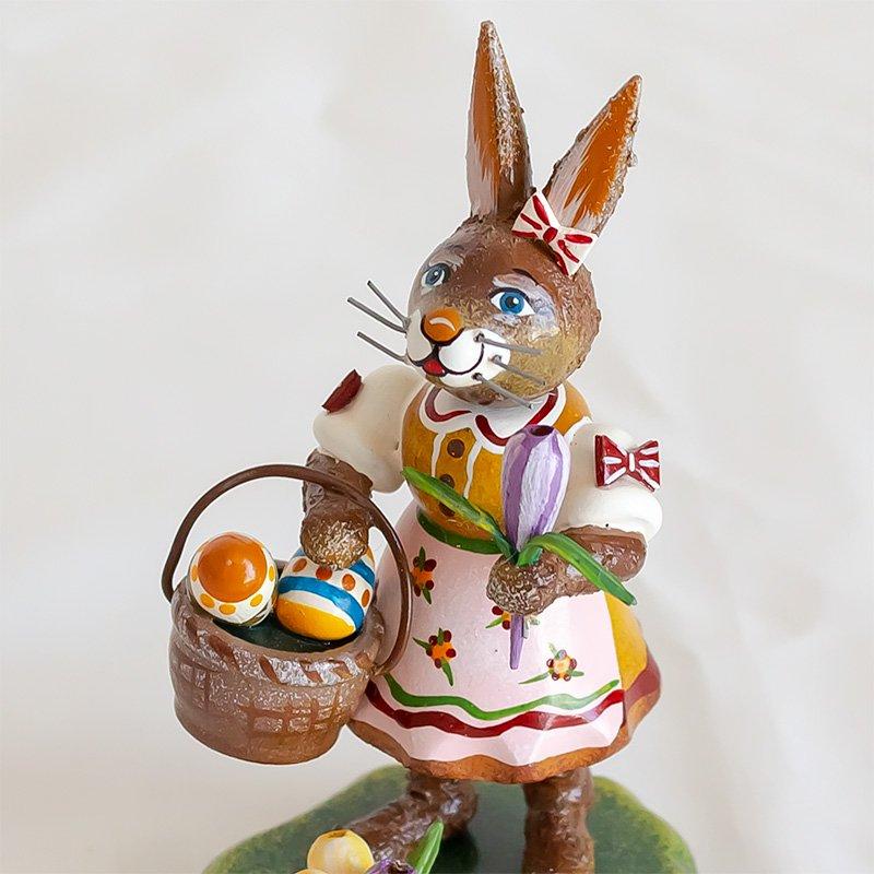 Hubrig Volkskunst ヒューブリッグ クロッカスとウサギ