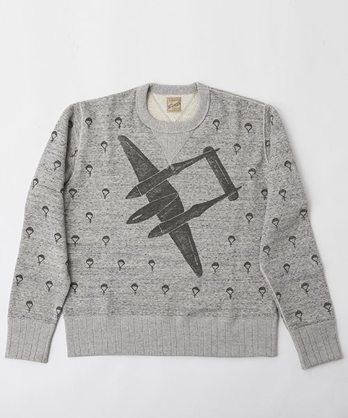 <img class='new_mark_img1' src='https://img.shop-pro.jp/img/new/icons20.gif' style='border:none;display:inline;margin:0px;padding:0px;width:auto;' />RAGTIME BOMBER AND PARACHUTE PRINT SWEAT