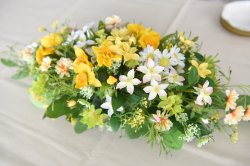 水仙と春の花のアレンジ