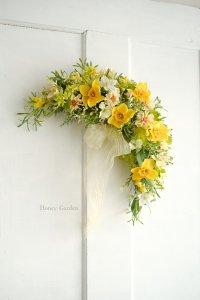 春の花のスワッグ