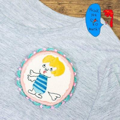 uRiiiy(ウリ) カラフルで可愛い 刺繍 ブローチ  刺繍ブローチシリーズのしらんぷうりちゃん丸型ブローチ