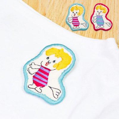 uRiiiy(ウリ) カラフルで可愛い 刺繍 ブローチ  刺繍ブローチシリーズのしらんぷうりちゃん人型ブローチ