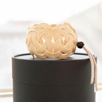 kuchibueworks(クチブエワークス) 軽くて丈夫な素材の紅茶染めラタンバングル 軽くて丈夫な素材のラタンバ