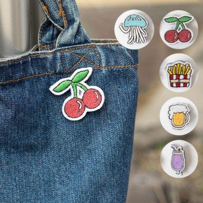 M hario マーケット 刺繍ピンバッチ シンプルな洋服やバッグに合うアクセサリー