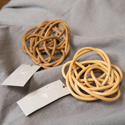 kuchibueworks 軽くて丈夫な素材のラタンブローチ シンプルな洋服やバッグに合うアクセサリー