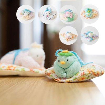 ぴぺたぺぴた ダブルガーゼを使った赤ちゃんとカッパモチーフの置物 触り心地の良い素材で可愛いインテリアにもなる