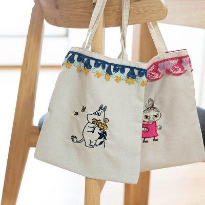 MOOMIN(ムーミン) レース付きミニバッグ 持ち手短めの手持ちバッグ