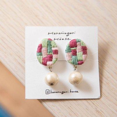 Hanamuguri&Hanamuguri house 耳が痛くなりにくい刺繍クリップイヤリング 配色カラーが可愛いアクセサリー