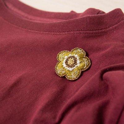 ★mia(ミア) お花モチーフの刺繍ブローチ