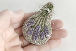 ラベンダー 刺繍ブローチ - jumelle -