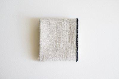 atelier une place - シルクリネンハンカチ〈ネイビー〉