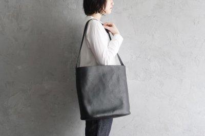 garota - シンプルバッグ〈L・黒〉