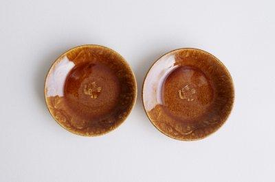 郡司製陶所 - 型打皿・4寸〈薄飴・草花に鳥〉