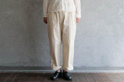 jiji - ツイルパンツ〈ニューベージュ ・ size2〉