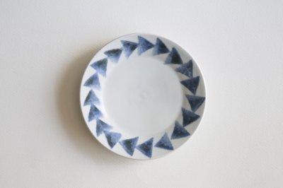 五十嵐元次 - リム皿5寸〈三角紋・白磁〉