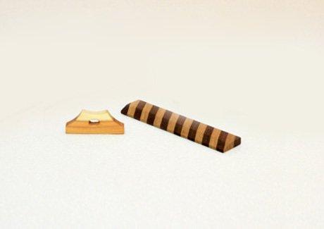 木のスケールと富士山箸置