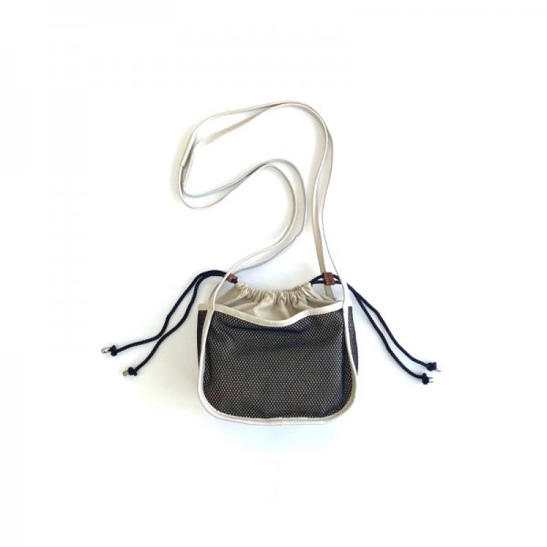 <img class='new_mark_img1' src='https://img.shop-pro.jp/img/new/icons6.gif' style='border:none;display:inline;margin:0px;padding:0px;width:auto;' />mesh purse bag S