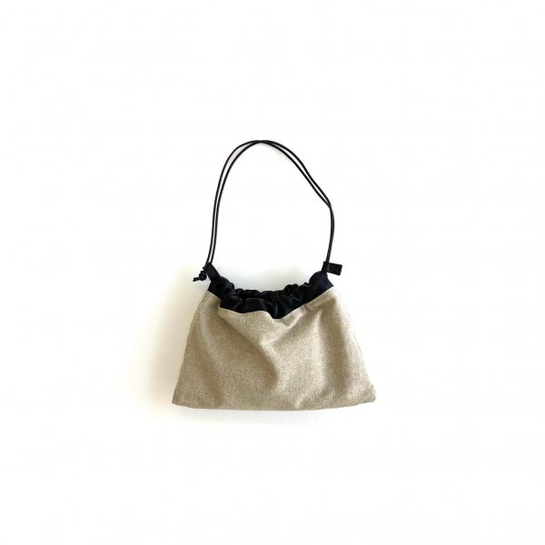 <img class='new_mark_img1' src='https://img.shop-pro.jp/img/new/icons6.gif' style='border:none;display:inline;margin:0px;padding:0px;width:auto;' />linen & soft leather purse bag SS