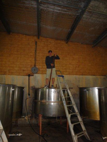 2012年3月17日レッドバンク・ワイナリーでの醸し作業