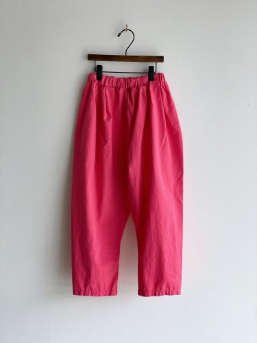<img class='new_mark_img1' src='https://img.shop-pro.jp/img/new/icons58.gif' style='border:none;display:inline;margin:0px;padding:0px;width:auto;' />384.cotton volume pants(pink)ジュニア