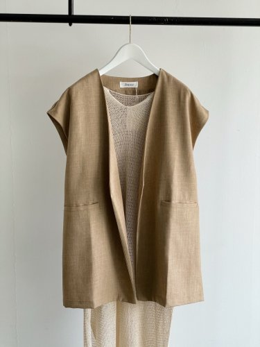 <img class='new_mark_img1' src='https://img.shop-pro.jp/img/new/icons14.gif' style='border:none;display:inline;margin:0px;padding:0px;width:auto;' />447.linen like gilet(beige)