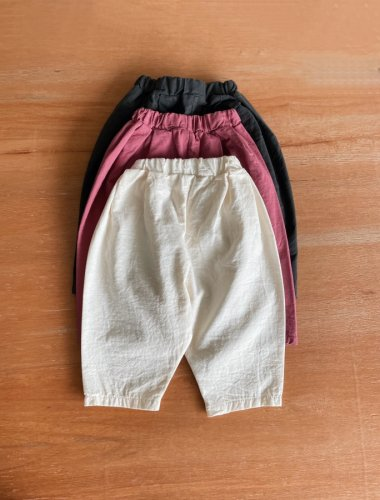 <img class='new_mark_img1' src='https://img.shop-pro.jp/img/new/icons14.gif' style='border:none;display:inline;margin:0px;padding:0px;width:auto;' />523.cotton volume pants(ivory / pink / charcoal)