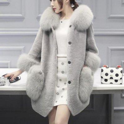 韓国コート❤ファーのポケットに襟や袖にも♪ガーリーな服装に合わせて♪ファーコート