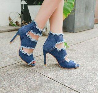 韓国デニムサンダル❤個性豊かなヒールのブーツサンダル